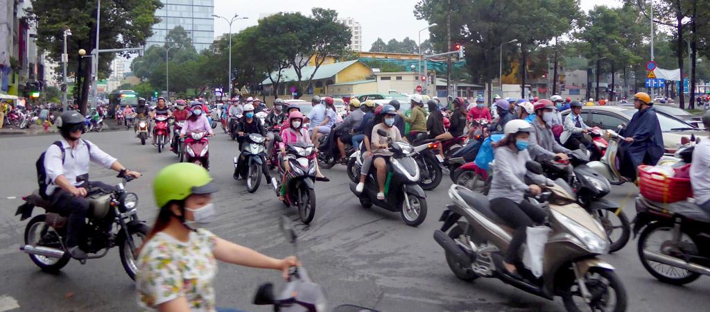 Multitud de motos en la Ciudad de Ho Chi Minh
