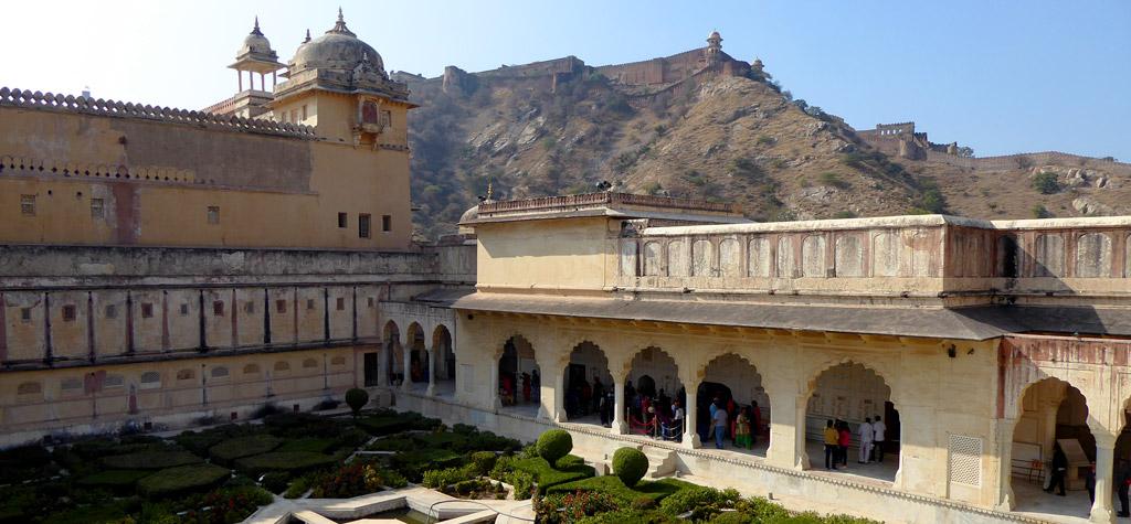 Jardines de Amber Sheesh Mahal en Jaipur