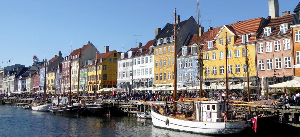 Paseo marítimo Nyhavn, en Copenhague